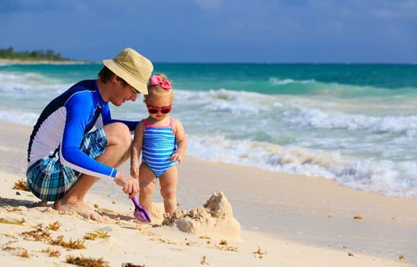simple ideas for having fun at the beach with toddlers that the whole family will enjoy