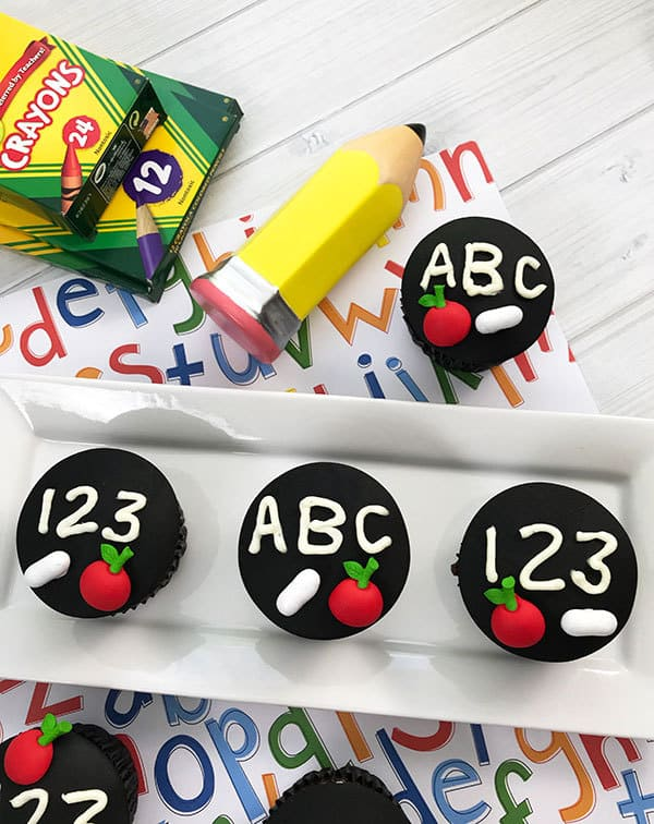 ABC and 123 Cupcakes - great idea for classroom treats for the kids