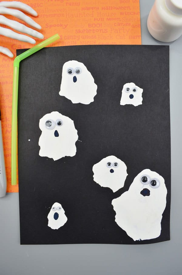Finished Ghosts a simple craft for toddlers and preschoolers to make this Halloween