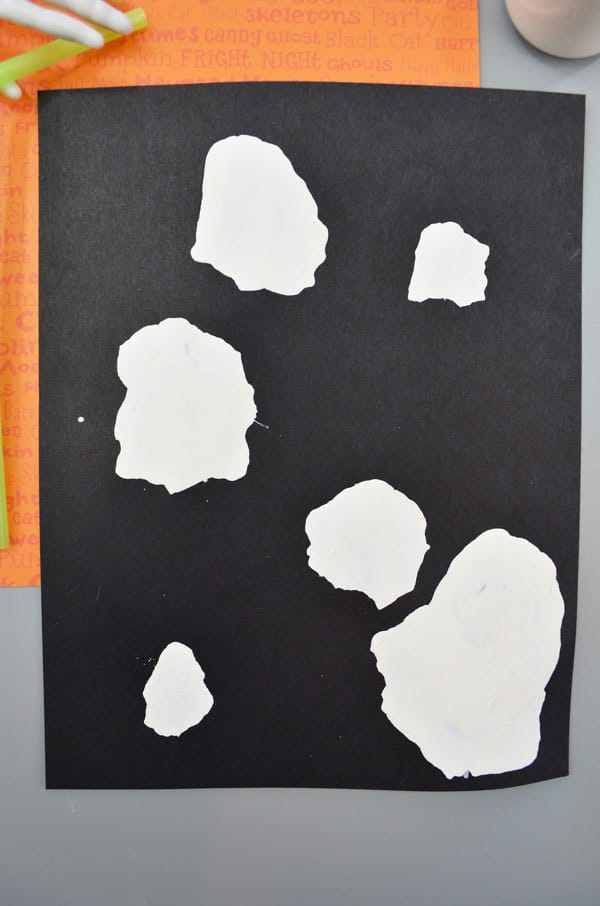 Simple Halloween Ghost Craft For Toddlers And Preschoolers
