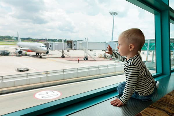 Toddler travel tips for flights and road trips