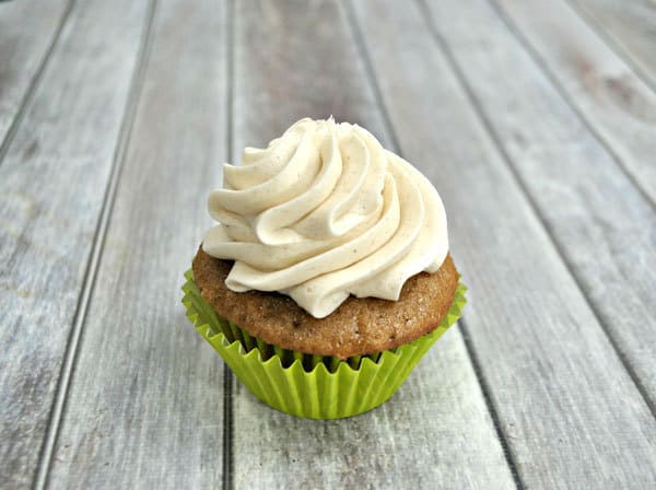 Cinnamon Buttercream Frosting - perfect for using on apple pie cupcakes and fall baking