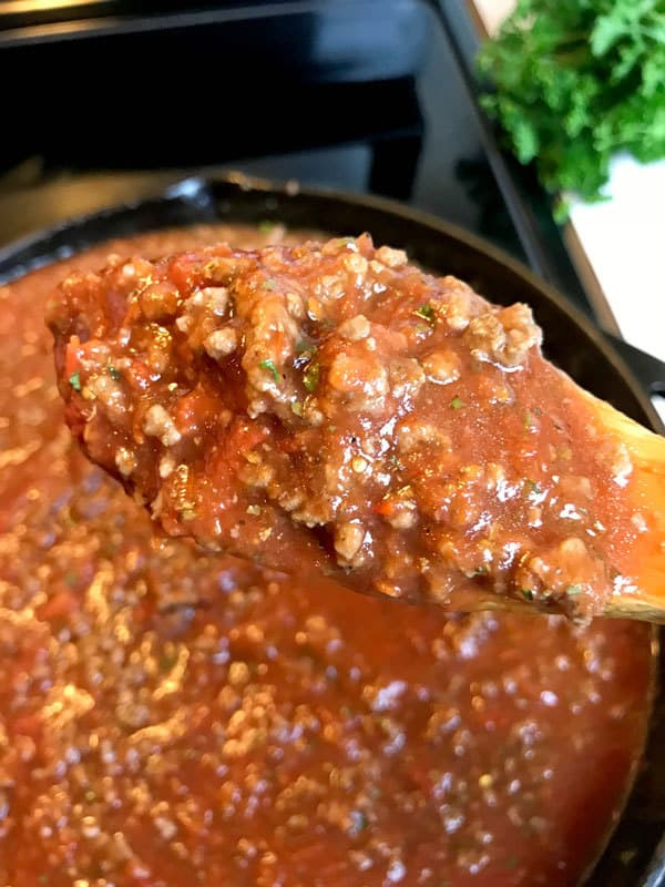 Tasty Bolognese recipe ideal for family meals, prepared and ready in just 30 minutes