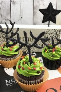 Simple cupcake decorating tutorial to make some Haunted Tree Cakes for Halloween