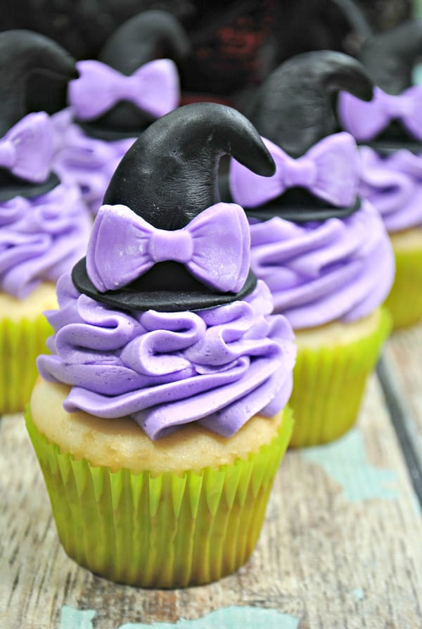 simple to decorate halloween witches hat cupcakes for party treats and halloween favours