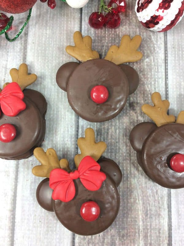 Easy To Decorate Rudolph And Reindeer Oreo Cookies