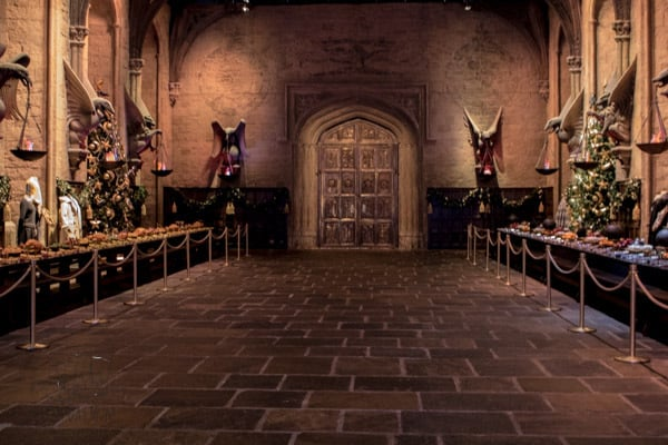 great hall dressed for christmas at warner bros studio tour london