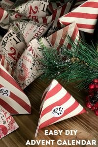 Easy Paper Pocket Advent Calendar to make with Kids.