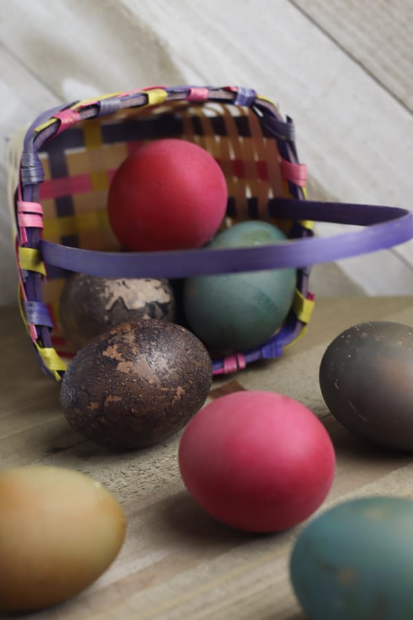 naturally dyed easter eggs to make with kids