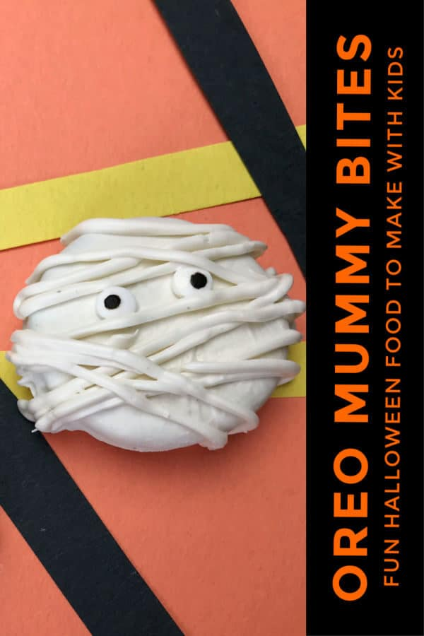 Ore Mummy Bites - simple decorated cookies to make with kids for Halloween