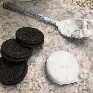 coating oreos in candy melts