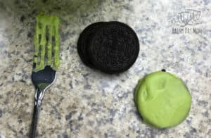 decorating Oreo Cookies