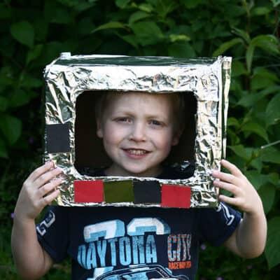 Junk Model Astronaut Helmet – Simple Space Craft for Kids