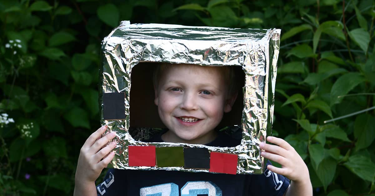 Simple Space Themed Craft For Kids To Create An Astronaut