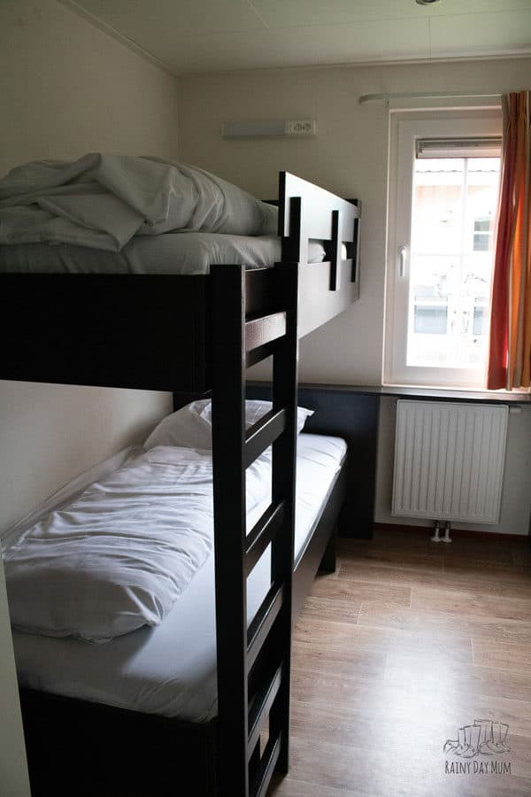 bunkbed room in the 6 person duingalow at duinrell