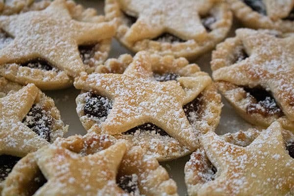 icing sugar dusted christmas mince pies