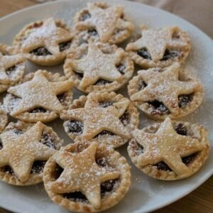 Easy Star Topped Christmas Mince Pies to Bake with Kids