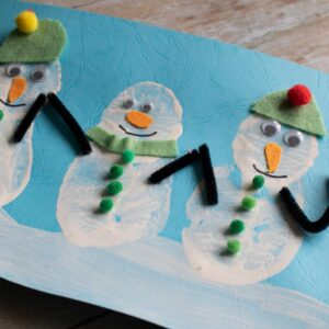 Easy Winter Craft for Toddlers and Preschoolers Potato Print Snowmen Picture