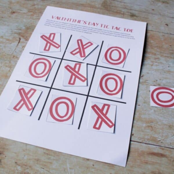 FREE Printable Valentine's Tic Tac Toe Game