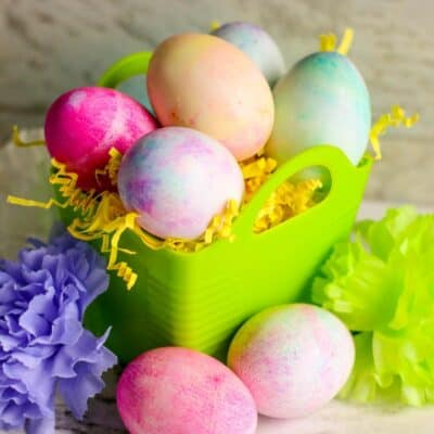 Simple Shaving Cream Marbled Easter Eggs for Toddlers and Preschoolers