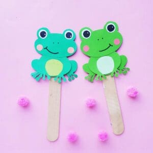 Five Little Speckled Frogs Paper Puppets made with a FREE Printable template