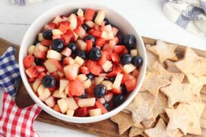 easy 4th of july fruit salas dessert to cook with kids with star shapped cinnamon tortilla chips