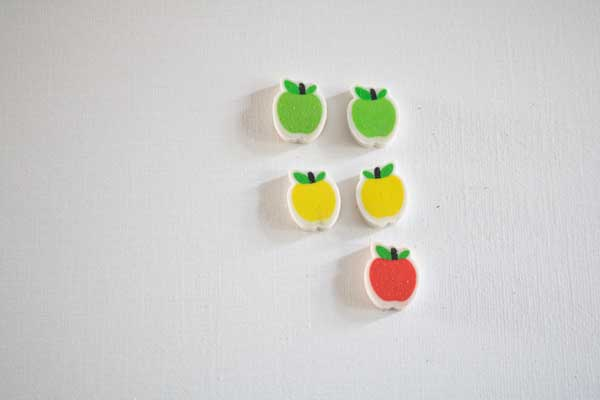 finding the odd one out - which apple doesn't have a matching on a simple math game for fall with toddlers and preschoolers